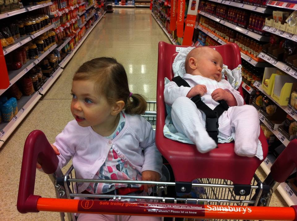 How to survive supermarket shopping with children: 6 Tips