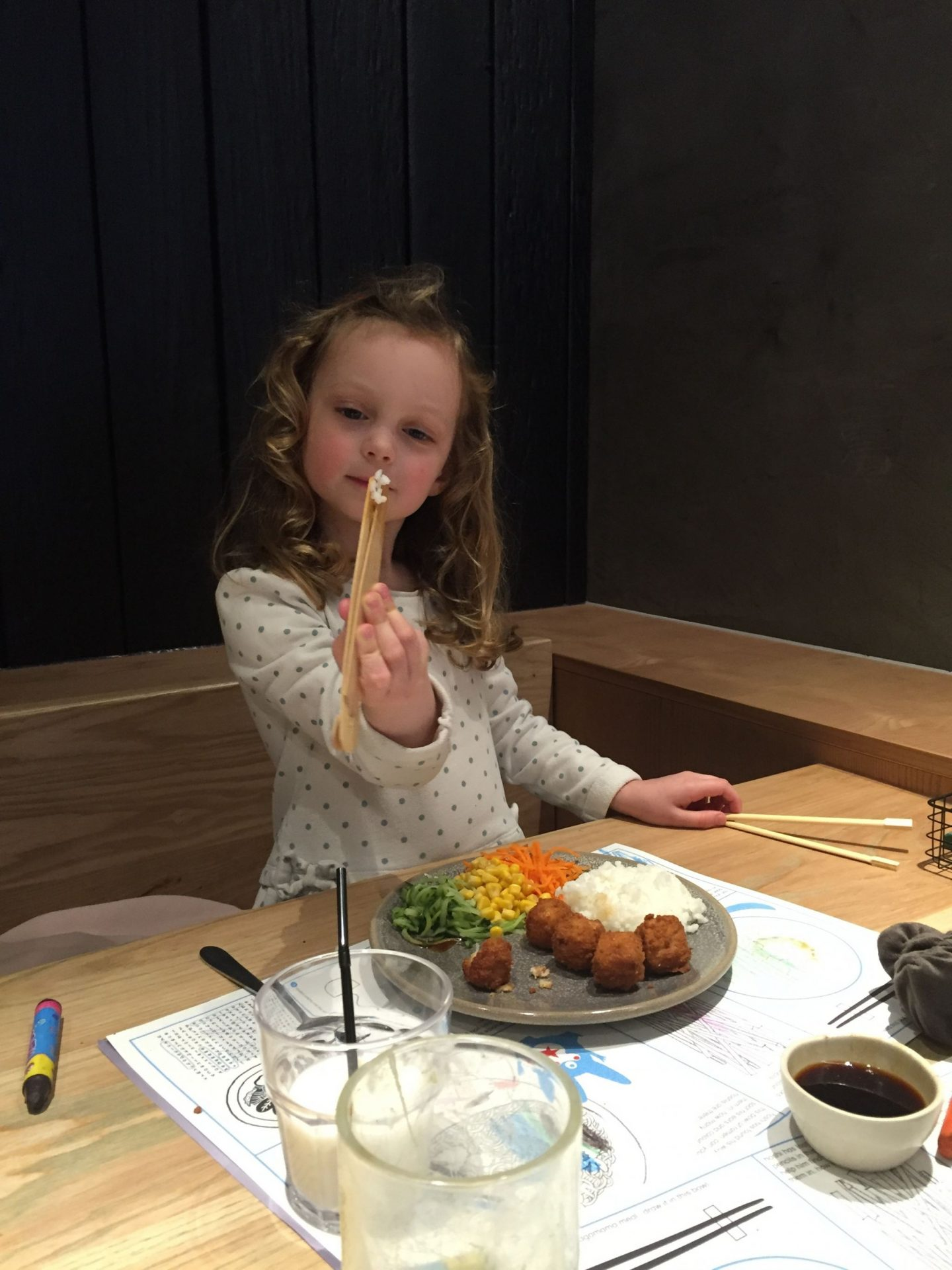 Eating Out As A Family: 9 Tips to Transform Your Experience